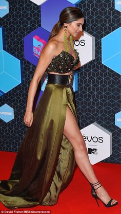 Bollywood blunder: Indian actressDeepika Padukone may be stunning but her swamp green bralet and skirt combo did nothing for her sensational figure