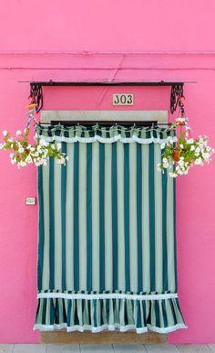 Burano, Italy door