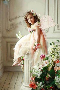 CHARMING & DELICATE fairy flower girl
