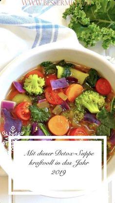 Nach einem anstrengenden Tag, Partywochenende oder einfach nur so, habt ihr euch ein warmes und gesundes Gericht verdient. Was gibt es besseres, als einen beruhigenden und warmen Teller voll mit köstlicher Suppe. Diese Suppe ist reich an Lebensmitteln, die eure Immunität stärken und euer Wohlbefinden steigern, sowie euren Organismus entgiften. Ausserdem wird diese ohne Öl zubereitet, wodurch die Entgiftung zusätzlich unterstützt wird. Carrots, Healthy Dishes, Turmeric, Feel Better, Meal, Foods
