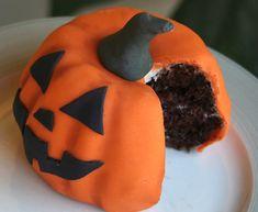Mini-Bundt Cake Pumpkins