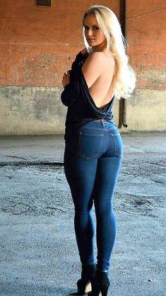 Beautiful Buns, The Most Beautiful Girl, Beautiful Women, Sweet Lady, Plus Size Beauty, Colored Denim, Hottest Models, Sexy Body, Plus Size Women