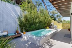 Check out my brand-new listing in Silver Lake! This spectacular new modern home is located high up in the hills with jaw dropping views of Silver Lake, downtown, and the mountains beyond. Mini Pool, Small Backyard Pools, Small Pools, Casa Octagonal, Outdoor Pool Shower, Mini Piscina, Piscine Diy, Living Pool, Hollywood Homes