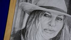 """#JenniferCoolidge  Features  - Graphite pencils on paper 180g / 0.40lbs - Signed by the artist Measurements  - 30 x 42 cm / 12"""" W x 16.5"""" H Inch"""
