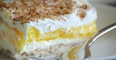 Třívrstvé citónové řezy se smetanou a vlašskými ořechy