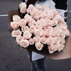 boys, couple, dream, flowers, girls, inspo, life, love, pink, roses, tumblr