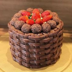 Excellent Pic fruit cake kids Concepts Excellent Pic fruit cake kids Concepts:Meanwhile, increase the risk for topping by combining all th Delicious Cake Recipes, Yummy Cakes, Dessert Recipes, Fondant Cupcakes, Cupcake Cakes, Cake Decorating Videos, Savoury Cake, Chocolate Ganache, Chocolate Cupcakes