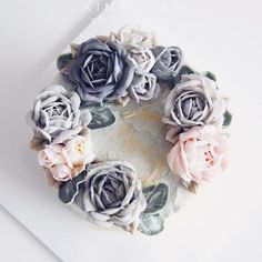 a wild rose like oil painting A different but unique style rose of KIM&CAKE. This flower is so charming #bakingclass#buttercream#cake#baking#수제케이크#weddingcake#버터크림케이크#꽃#flowers#buttercake#플라워케이크#wedding#버터크림플라워케이크#specialcake#birthdaycake#flower#장미#rose#디저트#케이크#cupcake#dessert#food#beautiful#부케#bouquet#instacake#꽃스타그램#flowercake#peony @yoon2222222