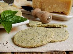 Biscotti salati al formaggio e basilico