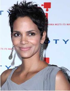 Trying Out Halle Berry Hairstyles : Simple Hairstyle Ideas For Women and Man Halle Berry Hairstyles, Over 40 Hairstyles, Hairstyles For Round Faces, Latest Hairstyles, Celebrity Hairstyles, Cool Hairstyles, Bob Hairstyle, Modern Hairstyles, Medium Hairstyles
