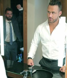 Hot Men, Sexy Men, Hot Guys, Dress Shirt And Tie, Suit And Tie, Muscle Hunks, Muscle Men, Mens Fashion Suits, Mens Suits