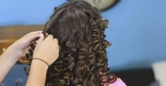 If you or your kids are longing for natural, beautiful curls, you might think that using a curling iron is the only way to get the look. Think again! This simple curling method, brought to us by Cute Girls Hairstyles, gets you those soft, effortless curls...