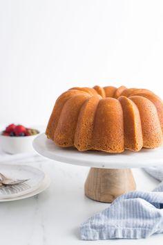 Cupcakes, Cupcake Cakes, Shoe Cakes, Cake Recipes For Beginners, Easy Homemade Cake, Cake Portions, Lemon Layer Cakes, Cream Cheese Pound Cake, Poblano