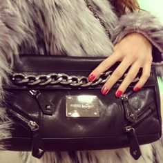 Pierre Balmain handbag via loliland