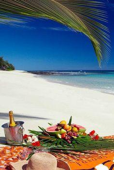 Fiji Honeymoon inspiration: Beach Picnic, Yasawa I Fiji Honeymoon, Honeymoon Destinations, Honeymoon Inspiration, Travel Inspiration, Dream Vacations, Vacation Spots, Places To Travel, Places To Visit, Beach Picnic