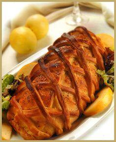 Lomito de cerdo hojaldrado con salsa de champignones