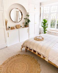 14 Minimalist Bedroom Design Ideas | Extra Space Storage Room Ideas Bedroom, Home Decor Bedroom, Master Bedroom, Bedroom Signs, Bedroom Small, Bedroom Interior Design, Boho Chic Bedroom, Bohemian Interior Design, Bohemian Room