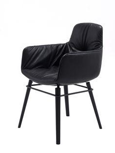 Leya Stuhl / Chair Leya with high armrest | FREIFRAU Sitzmöbelmanufaktur (www.freifrau.eu)