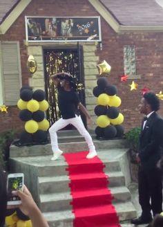 Esta menina zerou o baile de formatura ao recriar Formation em sua entrada triunfal