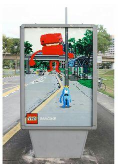 Marketing experiencial. Una forma distinta de ver la realidad con Lego. A través de este panel publicitario se ofrece una realidad distorsionada con la animación de Lego.