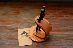 马骝手工 纯牛皮塑性笔插 刻可个性名字 ...@杨帆yy采集到设计灵感(143图)_花瓣