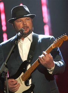 """Christopher Cross May is an American singer-songwriter from San Antonio, Texas. Cross won five Grammy Awards for his eponymous debut album released in The singles """"Sailing"""" and """"Arthur's Theme (Best That You Can Do)"""" (from the 1981 film Arthur) Smooth Jazz, Arthur's Theme, Christopher Cross, Music Express, New Wave, For You Song, Idole, Texas History, Types Of Music"""