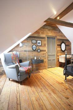 Reclaimed barndoor wall in an attic bedroom. A walk-in closet is hidden behind… Old Wood Projects, Home Projects, Attic Rooms, Attic Spaces, Attic Renovation, Architecture Renovation, Cozy Basement, Rustic Wood Walls, Attic Design