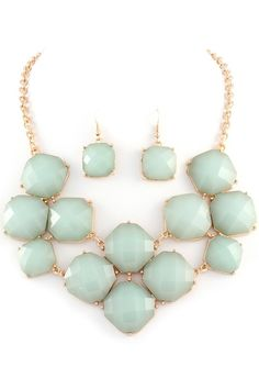 Vintage mint earring and necklace set