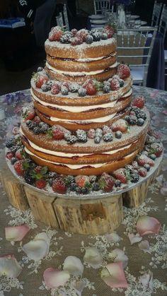 Calumet Bakery Naked Wedding Cake with Berries
