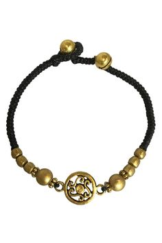This simple summer fashion beaded bracelet, with copper beads and black cotton makes the perfect accessory this summer.