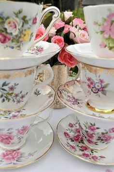 Tea cups & saucers of different patterns make for an interesting and diverse table setting.