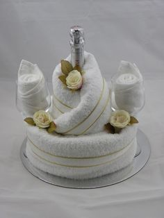 Wedding Towel Cake - no tutorial but easy to make Bridal Shower Gifts For Bride, Bridal Gifts, Wedding Gifts, Kitchen Towel Cakes, Towel Cakes Diy, Wedding Towel Cakes, Wedding Cake, Towel Origami, Towel Animals
