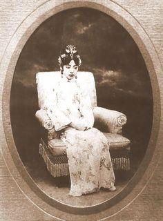 Empress Wan Rong of China - Yahoo Image Search Results Vintage Photographs, Vintage Photos, Last Emperor Of China, Shanghai Girls, Westerns, China People, Ancient China, History Photos, Qing Dynasty