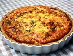 Tuna and asparagus tart Quiche Recipes, Tart Recipes, Dessert Recipes, Cooking Recipes, Savoury Recipes, Desserts, Tuna Dishes, Fish Dishes, Kos
