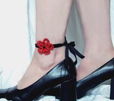 Tatted Flower Anklet - Lucy. $15.00, via Etsy.
