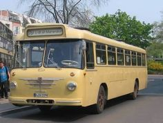 Bus Camper, Rv Campers, Classic Trucks, Classic Cars, Nice Bus, S Bahn, Der Bus, Bus Coach, Busses