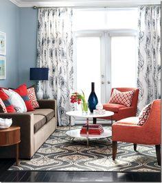 Joli salon, couleurs neutres, Orange, guéridon rond