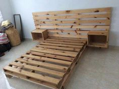 Use Pallet Wood Projects to Create Unique Home Decor Items – Hobby Is My Life Wooden Pallet Beds, Diy Pallet Bed, Wood Pallets, Pallet Ideas, Pallet Projects, Pallet Chair, Outdoor Pallet, Diy Projects, Pallet Wood