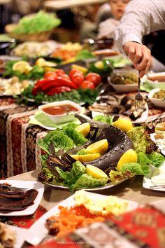 """Otwarcie przyczepy """"Kaukaz"""" http://www.dania-kontra-ania.blogspot.com/2015/03/relacja-otwarcie-food-trucka-kaukaz-krakow.html"""