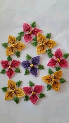 """Menekşeler """"This post was discovered by Hay"""" Crochet Cowl Free Pattern, Crochet Flower Patterns, Crochet Flowers, Beading Patterns Free, Crochet Home Decor, Point Lace, Needle Lace, Lace Knitting, Craft Work"""