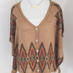 Aztec Inspired Top Beautiful design with knit material, gently worn Forever 21 Tops