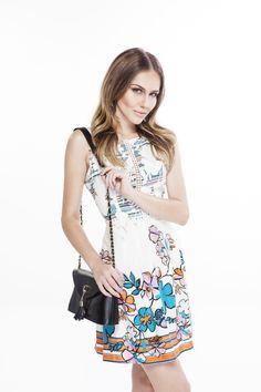 Vestido leve para os dias quentes, a estampa floral é linda e bem romântica!