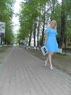 какую обувь подобрать к голубому платью