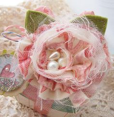 very cute - just need to work out how to make them #flower #tutorial #scrapbooking