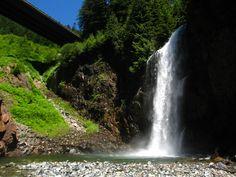 4. Franklin Falls | These 10 Hidden Waterfalls In Washington Will Take Your Breath Away