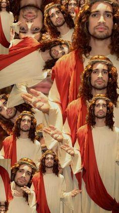 Brendon Urie cosplaying jesus
