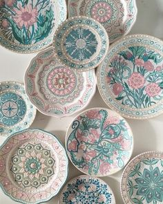 56 creative DIY tableware ideas - Page 50 of 56 Whether it is a. 56 creative DIY tableware ideas – Page 50 of 56 Whether it is a simple breakfast Painted Ceramic Plates, Ceramic Pottery, Decorative Plates, Painted Ceramics, Blue Pottery, Dot Painting, Ceramic Painting, Ceramic Art, Pottery Painting Designs