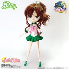 Sailor Moon's 6th Collaboration Doll with Pullip, Sailor Jupiter: Premium Bandai accepting pre-orders for a 310mm-tall Sailor Jupiter doll, The limited edition set comes with the uniform from Makoto's previous school she keeps wearing at Juuban Municipal Junior High School. The price for the 1/6 size Sailor Jupiter doll is 20,520 yen (about US$173) and the scheduled delivery date is in February 2015.