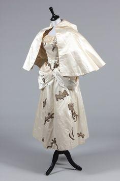 """""""White Witch"""" fancy dress ensemble, label """"Miss Shannon Costumier, Sligo,"""" c. 1885, Kerry Taylor Auctions."""