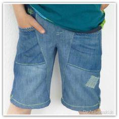 """kurze Jeanshose aus alten Jeanshosen nach dem SM """"Mika"""" von Farbenmix"""